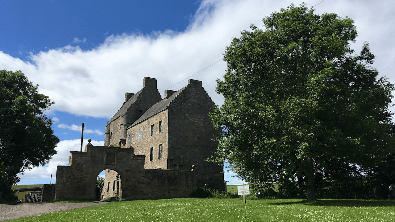 Sofandeseries vous emmène à Lallybroch